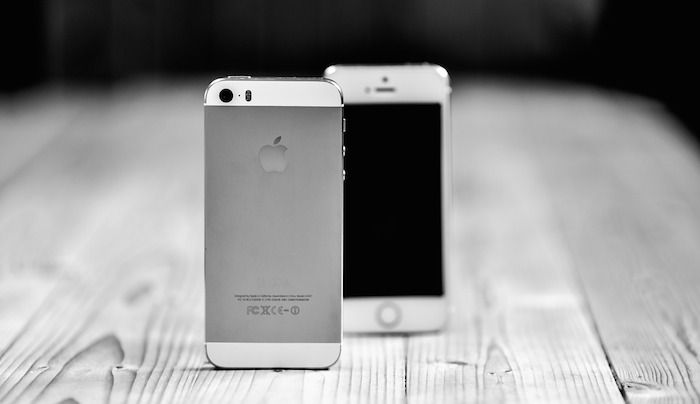 Black and White iPhones - Mobile Responsive Webdesign - Mobilegeddon